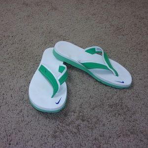 Nike Flip Flops White Green Women's 7